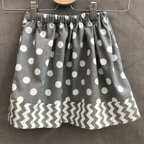 Toddler's,cotton,skirt,,grey,and,white,,elasticated,waist,Skirt, toddler, grey, white, cotton, spotty, contemporary style, elasticated waist, trendy, outfit, special occasion