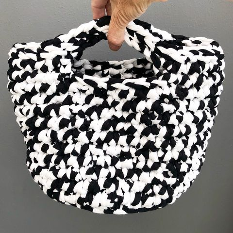Storage,container,,basket,style,handbag,,beach,bag,,plant,pot,cover,Beach bag, beach basket, handbag, storage basket, crochet, white, black, textured, chunky, contemporary, gift
