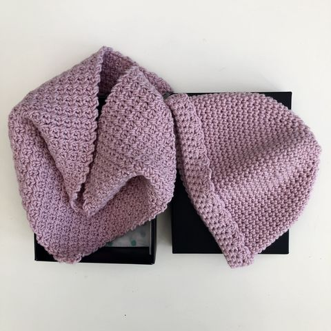 Baby,hat,and,scarf,gift,set,-,pink, scarf, baby hat, baby scarf, baby gift, baby shower, pink hat, woolly hat, hat and scarf set, baby shower gift