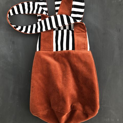 Lined,tote,shopping,bag,in,copper,corduroy,with,monochrome,striped,detail,Shopper, shopping bag, tote bag, corduroy, contemporary style, monochrome stripes, copper, bucket bag, market bag, eco bag, reusable shopper