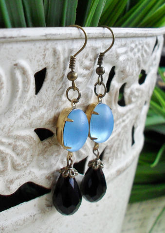 VINTAGE,Frosted,Moonglow,BLUE,Glass,&,French,Jet,Drop,EARRINGS,/,Czech,faceted,crystal,Dangle,Black,and,Blue,Earrings,Classy,Jewelry,Estate_Style,Vintage_Rhinestones,Antiqued_Brass,Vintage_Style,Czech_Glass,Crystal,French_Jet,Canteam,Bridesmaid_Earrings,Rhinestone_Earrings,Black_And_Blue