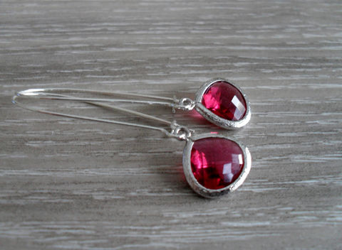 FABULOUS,FUCHSIA,Drop,EARRINGS,/,Faceted,Glass,Silver,Deep,Pink,Dangle,Bridesmaid,Earrings,Simple,Gift,boxed,Wedding,Jewelry,Nickel_Free,Faceted_Glass,White_Gold,Pretty_In_Pink,Wedding_Earrings,Bridesmaid_Earrings,Fuchsia_Earrings,Fuchsia_Crystal,Gift_Boxed