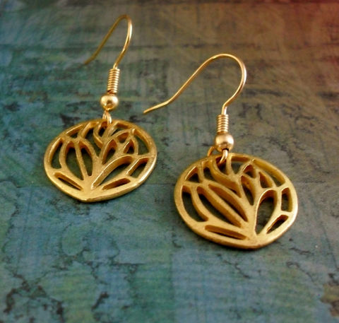 Modern,GOLD,FILIGREE,Cut,Out,Design,Drop,EARRINGS,/,Leaf,Unique,Gift,for,Her,Under,10,dollars,Boxed,Jewelry,Earrings,Canadian,One_Of_A_Kind,Hand_Made,Gold,Interesting,Cut_Out_Design,Filigree,Fern,Unique_Gift,Canteam,under_10_dollars