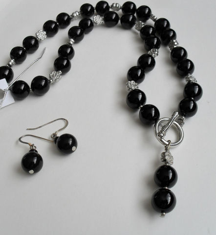 Black,Onyx,&,Silver,Flower,Beaded,Necklace,and,Earrings,Set,/,Sterling,Semi,precious,Stone,Natural,stone,jewelry,Gift,Boxed,Jewelry,One_Of_A_Kind,Hand_Made,Sterling_Silver,Toggle,Pendant,Black_Onyx,Natural_Stone_Set,Semi_Precious,Beaded_Necklace_Set