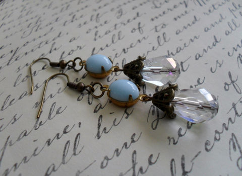 VINTAGE,Sky,Blue,Glass,&,Crystal,Drop,EARRINGS,/,Czech,faceted,crystal,Simple,Dangle,Bridesmaid,Bridal,Gift,Boxed,Jewelry,Earrings,Estate_Style,Vintage_Rhinestones,Antiqued_Brass,Vintage_Style,Gift_For_Her,Sky_Blue,Canteam,Bridesmaid_Earrings,Blue_Earrings,Something_Blue