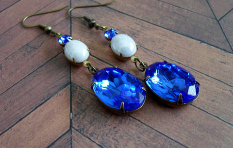 BLUE,and,WHITE,Vintage,Rhinestone,&,Glass,Drop,EARRINGS,/,Swarovski,Estate,Style,Earrings,Bridesmaid,Jewelry,Dangle,Estate_Style,Vintage_Rhinestones,Antiqued_Brass,Vintage_Style,Vintage_Glass_Stones,Crystal,Sapphire_Blue,Bridesmaid_Earrings,Blue_And_White
