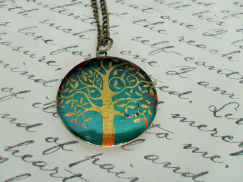 TREE,DESIGN,LOCKET,Pendant,Necklace,//,Picture,Locket,Pretty,Gift,for,Her,Vintage,Image,Boxed,Antique,Brass,Jewelry,Canadian,Bjeweled_Vintage,Designer,One_Of_A_Kind,Hand_Made,Antique_Brass,Photo_Locket,Locket_Necklace,Tree_Of_Life,Tree_Design_Locket,Tree_Locket,Unique_Gift