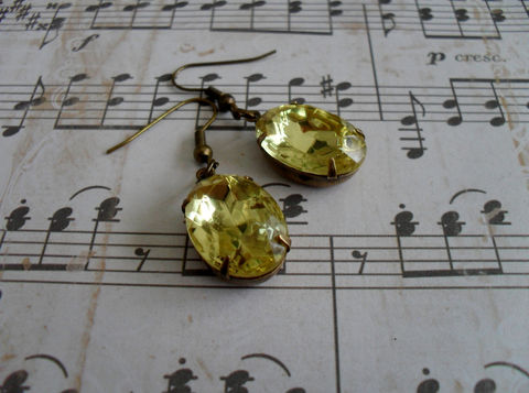 CITRINE,Yellow,VINTAGE,Rhinestone,Drop,EARRINGS,/,Czech,Glass,Simple,Dangle,Bridesmaid,Earrings,Citrine,Estate,Style,Jewelry,Estate_Style,Vintage_Rhinestones,Antiqued_Brass,Vintage_Style,Crystal,Czech_Glass,Pale_Yellow,Canteam,Bridesmaid_Earrings,Citrine_Earrings,Classy_Earrings