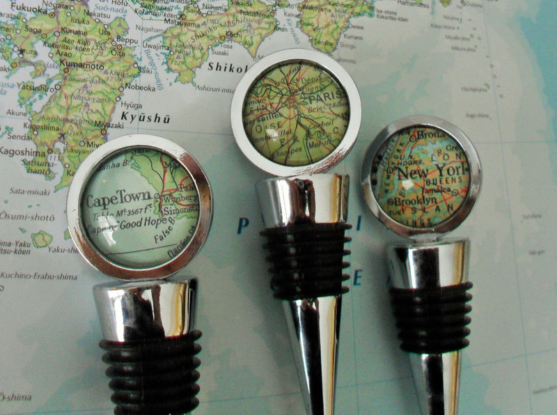 CUSTOM MAP Wine STOPPER / Any Location / Hostess Gift / Housewarming gift / Wedding Favor / Wine Lover Gift / Travel Souvenir / bottle stop - product image