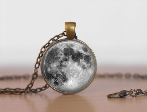FULL,MOON,NECKLACE,/,Lunar,Pendant,Unique,Gift,for,Her,Celestial,Space,jewelry,galaxy,grey,moon,brass,pendant,gift,box,Jewelry,Necklace,Unique_Gift,gift_boxed,full_moon_necklace,full_moon_pendant,grey_moon_necklace,moon_jewelry,space_necklace,brass_pendant,lunar_pendant,celestial_jewelry,canteam,made_in_Canada
