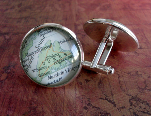MARTHA'S,VINEYARD,Map,Silver,Cufflinks,//,Father's,Day,Groomsmen,Gift,for,Him,Wedding,cuff,links,/,Boxed,Accessories,Cuff_Links,Hand_Made,Groomsmen_Gift,Glass_Domed,Gifts_For_Him,Marthas_Vineyard,Cape_Cod,Massachusetts,Map_Cufflinks,Unique_Gift,cuff_links,map_cufflink