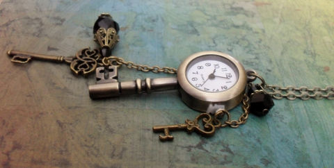 WATCH,PENDANT,NECKLACE,/,Antique,Bronze,Keys,&,Pearl,Watch,Pendant,Charm,Necklace,Steampunk,Key,necklace,Gift,Boxed,Jewelry,One_Of_A_Kind,Hand_Made,Watch_Pendant,Pocketwatch,Vintage_Inspired,Charms,Antique_Bronze,Gift_For_Her,Watch_Necklace,Key_Necklace,Steampunk_Necklace,Unique_Gift