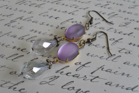 VINTAGE,Frosted,LAVENDER,Glass,&,Crystal,Drop,EARRINGS,/,Purple,Czech,faceted,crystal,Simple,Dangle,Bridesmaid,Earrings,Jewelry,Estate_Style,Vintage_Rhinestones,Antiqued_Brass,Vintage_Style,Czech_Glass,Lavender,Aurora_Borealis,Unique_Gift,Bridesmaid_Earrings,Light_Purple,Crystal_Earrings,Rhinestone_Earrings