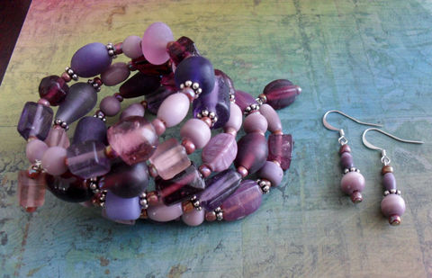 PURPLES,Beaded,Wrap,BRACELET,&,EARRINGS,Set,/,Mauve,plum,Unique,Gift,for,Her,Shades,of,Purple,glass,beaded,Bracelet,Jewelry,Earrings,Canadian,Designer,One_Of_A_Kind,Hand_Made,Memory_Wire,Plum,Canteam,purple_beaded_glass,purple_bracelet_set