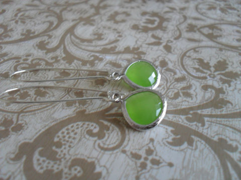 APPLE,GREEN,Opal,Drop,EARRINGS,/,Faceted,Glass,Silver,Dangle,Bridesmaid,Simple,Gift,Boxed,Jewelry,Earrings,Prom,Wedding,Nickel_Free,Faceted_Glass,Apple_Green,Green_Opal,Bridesmaid_Earrings,Drop_Earrings,Green_Earrings,Canteam,Unique_Gift