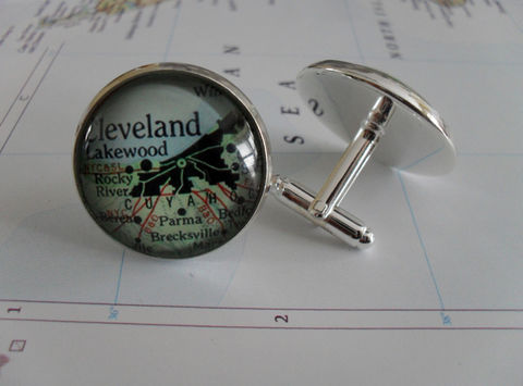 CLEVELAND,OHIO,Map,Silver,Cufflinks//,Father's,Day,//,groomsmen,gift,Christmas,Birthday,Anniversary,Gift,for,him,cuff,links,Accessories,Cuff_Links,Bjeweled_Vintage,Hand_Made,Cufflinks,Fathers_Day_Gift,Groomsmen_Gift,Custom,Gift_For_Him,Cleveland,Ohio,Map_Cufflinks,Unique_Gift