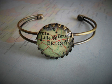 CUSTOM,MAP,Cuff,BRACELET,/,Any,City,or,Country,Gift,for,Her,Personalized,Vintage,Map,jewelry,Travel,Souvenir,Boxed,Jewelry,Bracelet,Hand_Made,Glass_Domed,Unique_Gift,Travel_Souvenir,Map_Brooch,Personalized_Gift,Gift_For_Her,Map_Jewelry,Map_Jewellery,Map_Bracelet,Custom_Map_Cuff