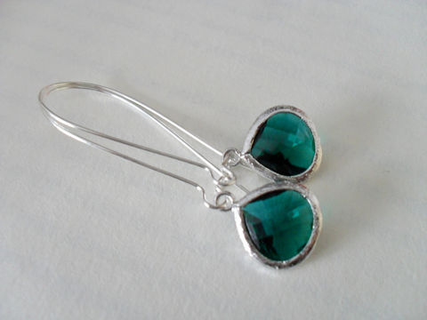EMERALD,GREEN,EARRINGS,//,Faceted,Glass,Drop,Earrings,Silver,Dangle,Bridesmaid,Bridal,Simple,Gift,boxed!,Jewelry,Wedding,Nickel_Free,Faceted_Glass,White_Gold,Emerald_Green,Dark_Green,Emerald_Earrings,Green_Earrings,Bridesmaid_Earrings,Drop_Earrings,Unique_Gift