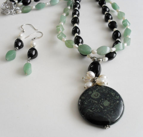 Green,Aventurine,,,Black,Onyx,,Freshwater,Pearl,&,Kambaba,Jasper,Beaded,Necklace,and,Earrings,Set,/,Sterling,Silver,Stone,Jewelry,Canadian,One_Of_A_Kind,Hand_Made,Sterling_Silver,Natural_Stone,Freshwater_Pearl,Kambaba_Jasper,Onyx,Unique_Gift,beaded_necklace_set