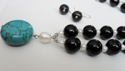 HAND,BEADED,SET,/,Black,Agate,,Freshwater,Pearl,&,Turquoise,Stone,Pendant,Necklace,and,Earrings,Set,Sterling,Silver,Gift,Boxed,Jewelry,One_Of_A_Kind,Hand_Made,Sterling_Silver,Natural_Stone,Freshwater_Pearl,Agate,Turquoise_Pendant,Black_Agate,Hand_Beaded_Set,Natural_Stone_Set,Necklace_Earring_Set,Canteam,Unique_Gift