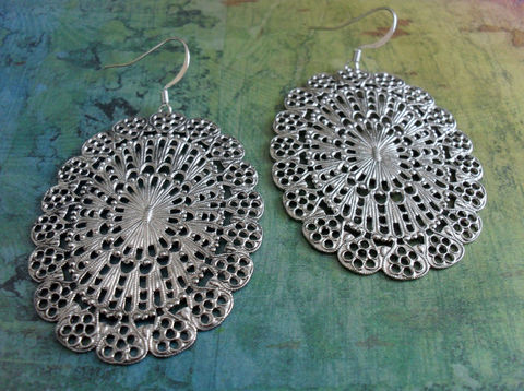 Vintage,Inspired,Large,Intricate,Oval,SILVER,FILIGREE,EARRINGS,/,Big,and,Bold,Light,Gift,for,Her,Trendy,Earrings,For,Jewelry,Canadian,One_Of_A_Kind,Hand_Made,Vintage_Inspired,Nickel_Free,Silver,Romantic,Canteam,Silver_Filigree,Filigree_Earrings,Trendy_Earrings,Gift_For_Her