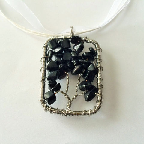Beaded,TREE,OF,LIFE,Pendant,Necklace,/,Black,Onyx,Tree,Of,Life,Wire,Wrapped,of,Organza,Ribbon,Gift,Boxed,Jewelry,made_in_Canada,tree_of_life_jewelry,tree_of_life_pendant,gemstone_necklace,gift_for_her,jeweled_tree_of_life,boho_necklace,wire_wrapped,organza_ribbon,beaded_tree_of_life,gemstone_pendant,black_onyx,onyx_tree_of_life