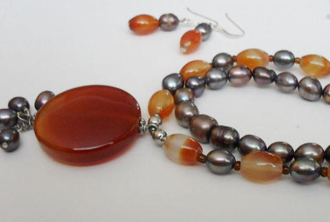 Gorgeous,AGATE,&,Peacock,Freshwater,PEARL,Beaded,Necklace,and,Earrings,SET,/,Sterling,Silver,natural,Stone,Set,Gift,Boxed,Jewelry,One_Of_A_Kind,Hand_Made,Sterling_Silver,Natural_Stone,Freshwater_Pearl,Unique_Gift,beaded_necklace,necklace_set,agate_necklace,peacock_pearls,made_in_canada