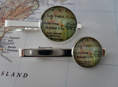 LAS,VEGAS,MAP,Tie,Bar,/,Nevada,gift,Silver,Groomsmen,Gift,for,Him,Personalized,2,Sizes,Clip,Clasp,Slide,Weddings,Jewelry,Vintage_Map,Groomsmen_Gift,Map,Tie_Bar,Tie_Slide,Tie_Clasp,Tie_Clip,Las_Vegas,Las_Vegas_Map,Las_Vegas_Tie_Bar,Nevada_Tie_Bar,Las_Vegas_Cufflinks