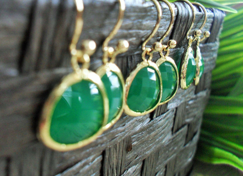 Bridesmaid Set of 4 Pairs / Gold Framed Faceted EMERALD GREEN Drop EARRINGS / Jade Green / Framed Glass / Dangle /  Simple Green / Elegant - product image