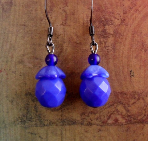 BEAUTIFUL,BLUES,Czechoslovakian,Glass,Beaded,Drop,EARRINGS,/,Periwinkle,Blue,Earrings,Unique,Gift,for,Her,boxed,Jewelry,Canadian,One_Of_A_Kind,Hand_Made,Mothers_Day,Beautiful_Blues,Gunmetal,Glass_Beadcap,Opaque,Unique_Gift,Canteam,periwinkle_blue,blue_glass_earrings