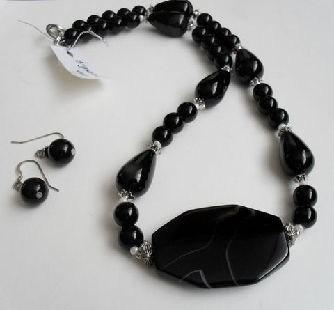 BLACK,Onyx,&,Striped,Black,Agate,NECKLACE,and,EARRINGS,Set,/,Sterling,Silver,Semi,Precious,Stone,Natural,Unique,Gift,box,Jewelry,Necklace,Canadian,Designer,One_Of_A_Kind,Hand_Made,Earrings,Sterling_Silver,Toggle,Pendant,Striped_Agate,Unique_Gift,black_stone_set