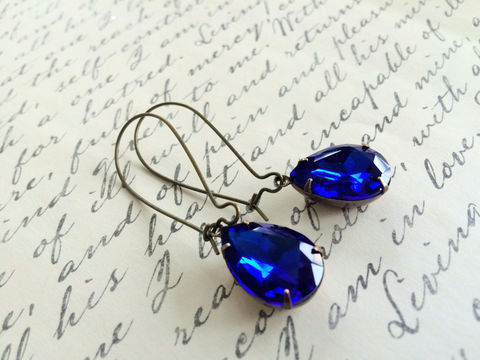 VINTAGE,Sapphire,Blue,Rhinestone,Drop,EARRINGS,/,Czech,Glass,Pear,Shaped,Dangle,Bridesmaid,Jewelry,Antiqued,Brass,Gift,Boxed,Weddings,Estate_Style,Vintage_Rhinestones,Antiqued_Brass,Vintage_Style,Pear_Shaped,Canteam,Gift_Boxed,Bridesmaid_Earrings,Made_In_Canada,rhinestone_earrings,sapphire_blue,blue_rhinestone,sapphire_earrings