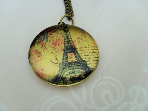 Paris,EIFFEL,TOWER,Design,LOCKET,Pendant,Necklace,/,Picture,Locket,Gift,for,Her,Vintage,Image,Boxed,Antique,Brass,Jewelry,Canadian,Bjeweled_Vintage,Designer,One_Of_A_Kind,Hand_Made,Antique_Brass,Photo_Locket,Locket_Necklace,Eiffel_Tower,Eiffel_Tower_Locket,Unique_Gift