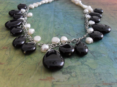 Black,&,White,ONYX,and,PEARL,Beaded,NECKLACE,/,Elegant,Classic,Necklace,Unique,Gift,for,Her,Stone,Pearl,Jewelry,Canadian,Designer,One_Of_A_Kind,Hand_Made,Silver,Fresh_Water_Pearl,Onyx,Unique_Gift,Canteam,black_and_white,beaded_necklace,stone_and_pearl