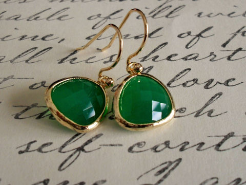 Gold,Framed,Faceted,EMERALD,GREEN,Drop,EARRINGS,//,Jade,Green,Glass,Dangle,Simple,Bridesmaid,Elegant,Weddings,Jewelry,Hypoallergenic,Hand_Made,Prom,Faceted_Glass,Emerald_Green,Jade_Green,green_glass_earrings,elegant_earrings,gold_and_green