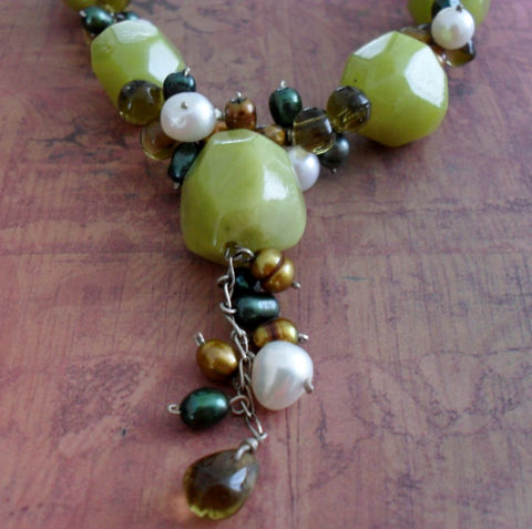 Intricate,Olive,JADE,&,Freshwater,PEARL,Beaded,NECKLACE,/,Detailed,Necklace,Unique,Gift,for,Her,Avocado,Green,Boxed,Jewelry,Canadian,One_Of_A_Kind,Hand_Made,Fresh_Water_Pearl,Olive_Jade,Sterling_Silver,Freshwater_Pearls,Unique_Gift,Canteam,avocado_green,beaded_necklace,stone_necklace