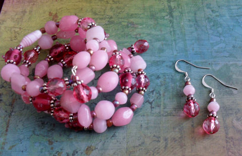Cotton,Candy,Pink,Beaded,Wrap,BRACELET,&,EARRINGS,SET,/,Spring,Summer,Pretty,in,Bracelet,set,Gift,for,Her,Jewelry,Earrings,Canadian,Designer,One_Of_A_Kind,Hand_Made,Memory_Wire,Pretty_In_Pink,Set,Unique_Gift,Canteam,pink_bracelet_set