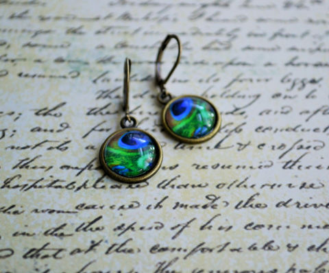 PEACOCK,FEATHER,glass,EARRINGS,/,Antique,Brass,Glass,Cabochon,Earrings,Gift,for,Her,under,10,dollars,boxed,Stocking,Stuffer,Jewelry,Canadian,Hand_Made,Gift_For_Her,Cute_Earrings,Gift_For_Girl,Unique_Gift,Canteam,under_10_dollars,bird_earrings,peacock_feather,peacock_earrings,pretty_earrings,stocking_stuffer