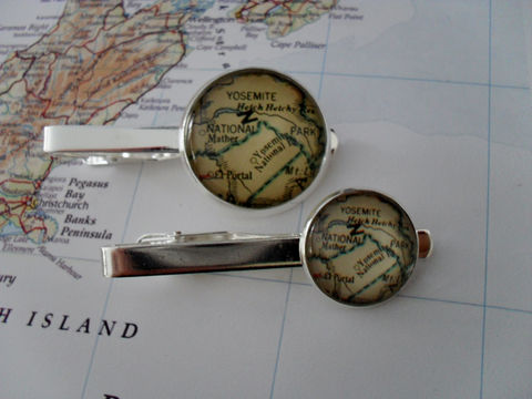 YOSEMITE,National,PARK,MAP,Silver,Tie,Bar,/,Groomsmen,Gift,for,Him,2,Sizes,Clip,Clasp,Slide,Boxed,Accessories,Hand_Made,Vintage_Map,Fathers_Day_Gift,Groomsmen_Gift,Glass_Domed,Map,Tie_Bar,Tie_Slide,Tie_Clasp,Tie_Clip,Yosemite,National_Park