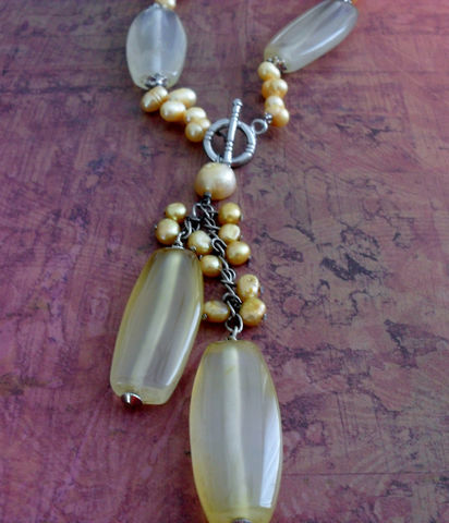 YELLOW,AGATE,&,Freshwater,PEARL,Beaded,Necklace,/,Intricate,Pendant,golden,yellow,natural,stone,jewelry,gift,boxed,Jewelry,Canadian,One_Of_A_Kind,Hand_Made,Jade,Yellow,Agate,Peach,Freshwater_Pearl,Unique,Unique_Gift,Canteam,natural_stone,beaded_necklace