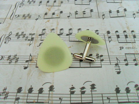 Glow,in,the,Dark,GUITAR,PICK,CUFFLINKS,/,Unique,Gift,for,Him,Musician,Under,15,dollars,Upcycled,Cuff,Links,boxed,Accessories,Cuff_Links,Cufflinks,Fathers_Day_Gift,Silver,Gifts_For_Him,Musician_Gift,Unique_Gift,Guitar_Pick,Rock_Star_Gift,Glow_In_The_Dark,Fun,Canteam,cuff_links,under_15_dollars