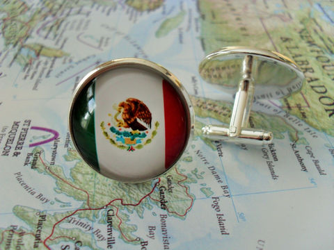 MEXICAN,FLAG,Silver,Cufflinks,/,National,Flag,of,Mexico,Father's,Day,Groomsmen,Gift,Patriotic,Cuff,Links,boxed,Weddings,Jewelry,Groomsmen_Gift,National_Flag,Soccer,Football,Fan_Wear,Mexican_Flag,Unique_Gift,Mexico_cuff_links,flag_cufflinks