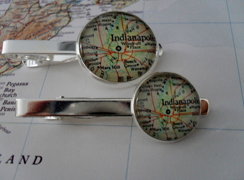 INDIANAPOLIS,INDIANA,MAP,Silver,Tie,Bar,/,Groomsmen,Gift,for,Him,Map,Jewelry,2,Sizes,Clip,Clasp,Boxed,Weddings,Hand_Made,Vintage_Map,Fathers_Day_Gift,Groomsmen_Gift,Glass_Domed,Tie_Bar,Tie_Slide,Tie_Clasp,Tie_Clip,Indianapolis,Indiana