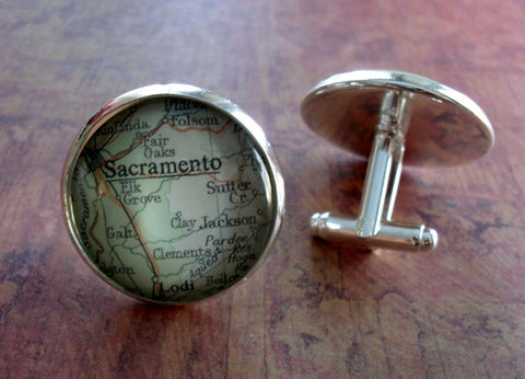 SACRAMENTO,CALIFORNIA,Map,Silver,CUFFLINKS,/,Father's,Day,Groomsmen,Gift,Personalized,for,Him,Cuff,Links,map,Jewelry,Weddings,Vintage_Map,Groomsmen_Gift,Glass_Domed,Gifts_For_Him,Wedding,Sacramento,California,Cufflink,Map_Cufflinks,Unique_Gift,map_cuff_links,map_jewelry