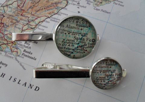 SANTA,FE,New,Mexico,MAP,Silver,Tie,Bar,/,Groomsmen,Gift,for,Him,Clip,Clasp,Slide,/Personalized,Map,jewelry,Weddings,Jewelry,Fathers_Day_Gift,Groomsmen_Gift,Glass_Domed,Tie_Bar,Tie_Slide,Tie_Clasp,Tie_Clip,New_Mexico,Santa_fe_map,Santa_Fe_tie_bar,map_jewelry