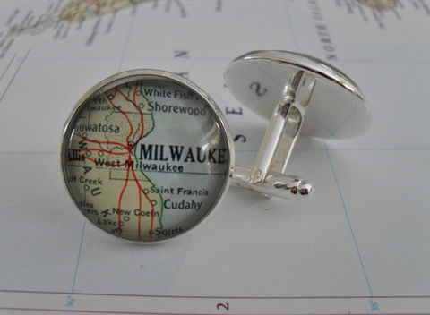 MILWAUKEE,WISCONSIN,Map,Silver,Cufflinks,/,Father's,Day,groomsmen,gift,Personalized,Gift,for,him,jewelry,glass,dome,boxed,Weddings,Jewelry,Canadian,Hand_Made,Fathers_Day_Gift,Groomsmen_Gift,Custom,Gift_For_Him,Milwaukee,Wisconsin,Unique_Gift,map_cuff_links,Milwaukee_cufflinks