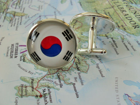 SOUTH,KOREAN,FLAG,Silver,Cufflinks,/,National,Flag,of,South,Korea,Father's,Day,Groomsmen,Gift,Patriotic,World,Boxed,Weddings,Jewelry,Groomsmen_Gift,National_Flag,South_Korea,South_Korean,Fan_Gift,Unique_Gift,world_flag,cool_cufflinks,neat_cufflinks,wedding_cuff_links