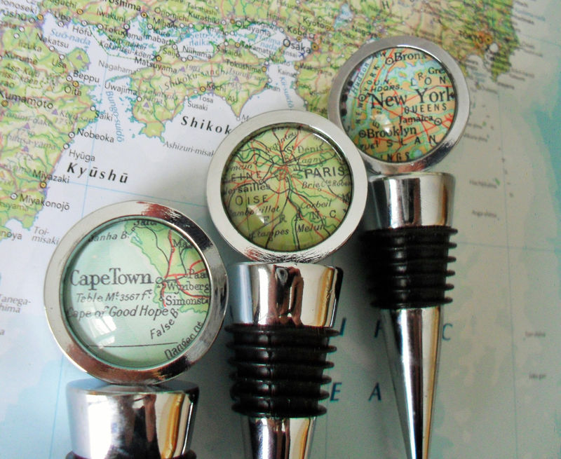 CUSTOM MAP Wine STOPPER / Any Location / Hostess Gift / Housewarming gift / Wedding Favor / Favour / Destination Wedding / glass bottle stop - product image