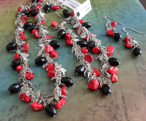 DRAMATIC,Coral,and,Black,French,Jet,Crystal,Leafy,NECKLACE,,,Bracelet,&,Earrings,SET,/,Statement,Necklace,Matching,Set,Gift,for,Her,Jewelry,Silver,One_Of_A_Kind,Canadian,Matching_Set,French_Jet,red_and_black_set,beaded_bracelet,gift_boxed,dramatic_jewelry_set