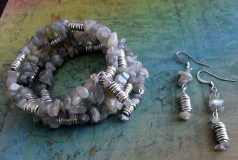 Lovely,LABRADORITE,Beaded,Wrap,BRACELET,&,EARRINGS,Set,/,Semi,Precious,Gift,For,Her,Matching,bracelet,Gemstone,Jewelry,Bracelet,Earrings,Canadian,One_Of_A_Kind,Hand_Made,Memory_Wire,Labradorite,Semi_Precious,Gift_For_Her,Unique_Gift,Canteam,beaded_bracelet,wrap_bracelet,bracelet_and_earring
